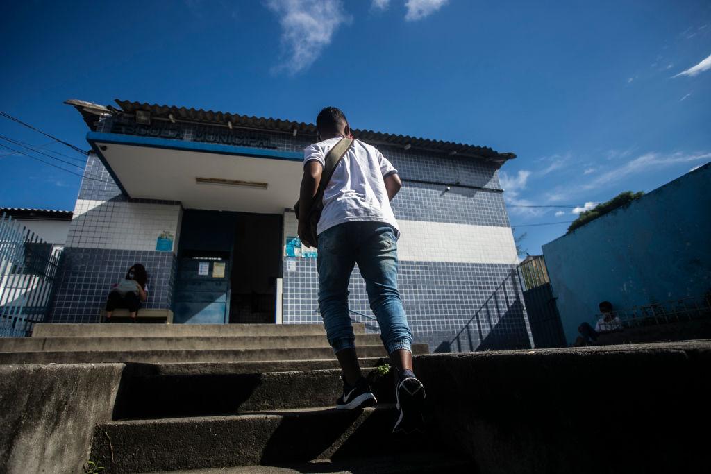 Face-to-face classes return to Rio de Janeiro after court decision