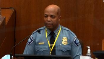 El jefe de la policía de Minneapolis dice que las acciones de Derek Chauvin fueron 'de ninguna manera o forma' adecuadas