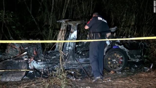 """Trágico accidente de un Tesla """"sin conductor"""""""