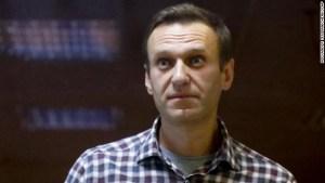 Alexey Navalny abandona su huelga de hambre