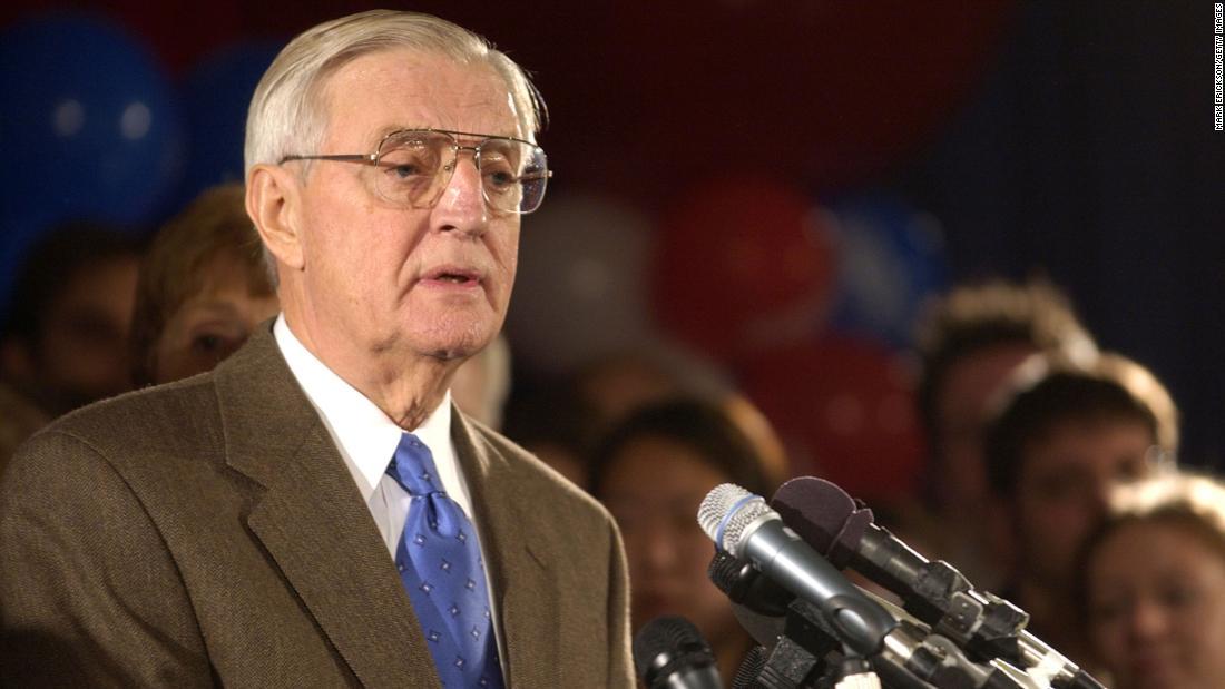 Muere Walter Mondale, vicepresidente de Jimmy Carter, a los 93 años