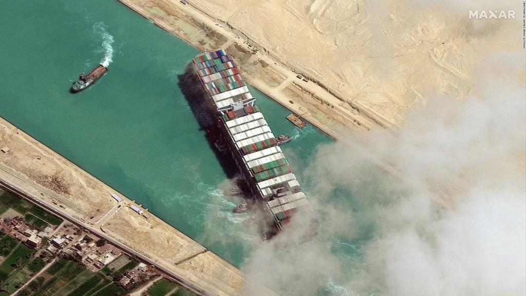 Comienza la ampliación del Canal de Suez