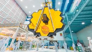Telescopio Webb muestra por última vez su espejo de oro