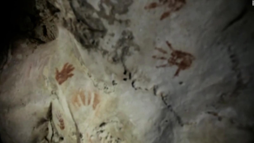 Mysterious handprints found in cave in Mexico