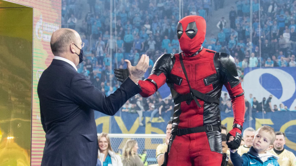 """Deadpool"" sneaks into the celebration of the Zenit title"