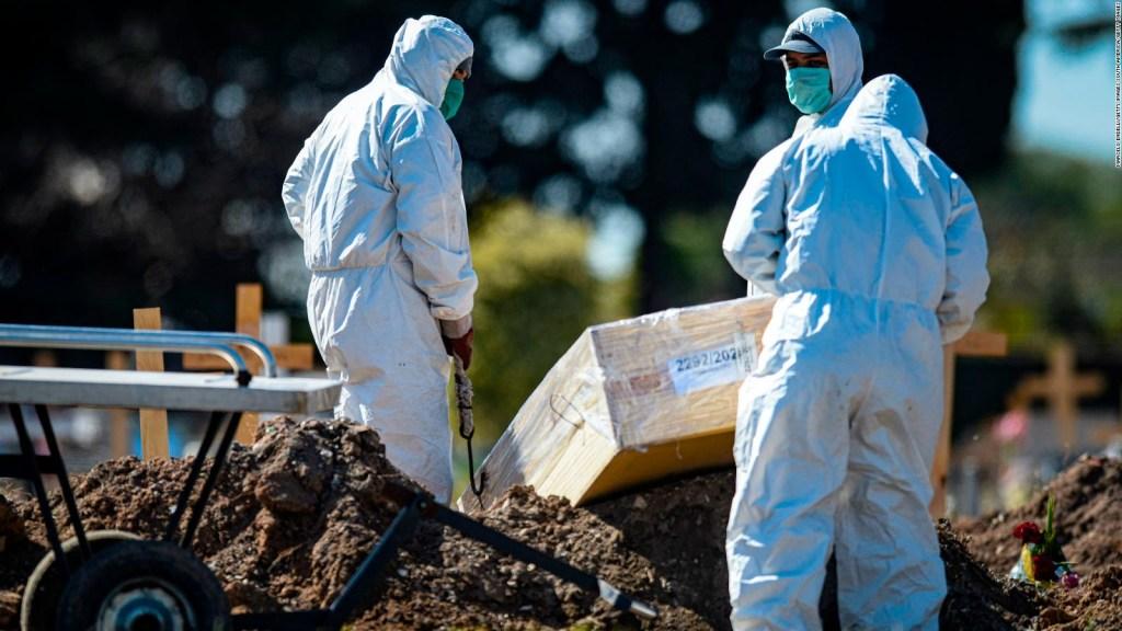 Trabajadores funerarios de Argentina piden ser vacunados