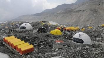 Tensión en el Everest por el covid-19