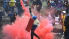 Colombia: denuncian que policías atacan vestidos de civiles