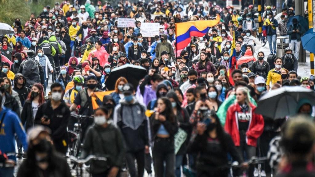 Promueven diálogo en Colombia para detener protestas
