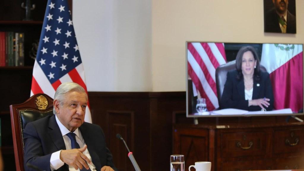 AMLO alude a Porfirio Díaz en reunión con Harris