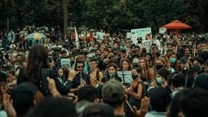 idea de protestar con orquesta en Colombia