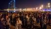 España: festejan fin del toque de queda