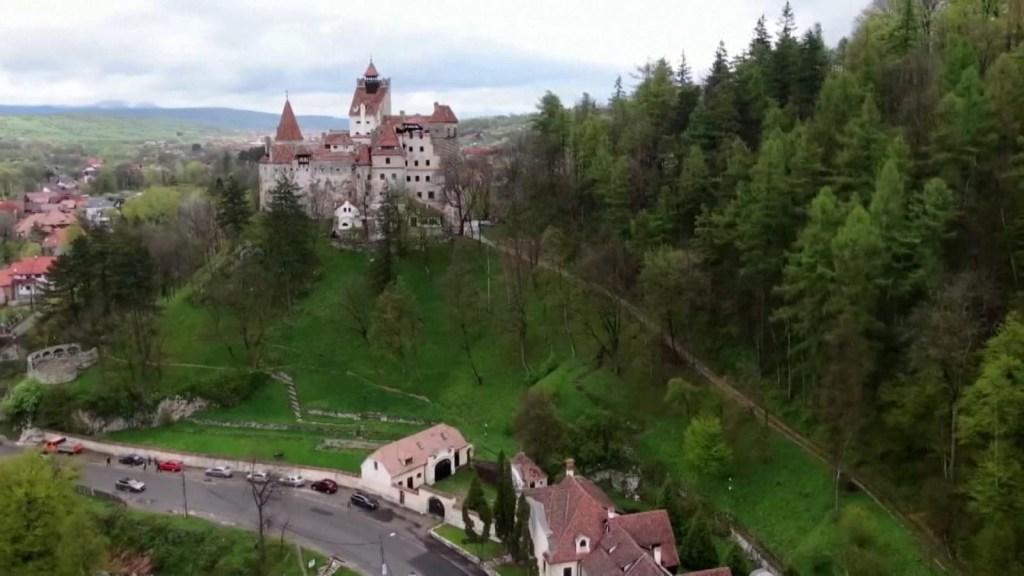 El Castillo de Drácula ofrece vacunas contra el covid-19