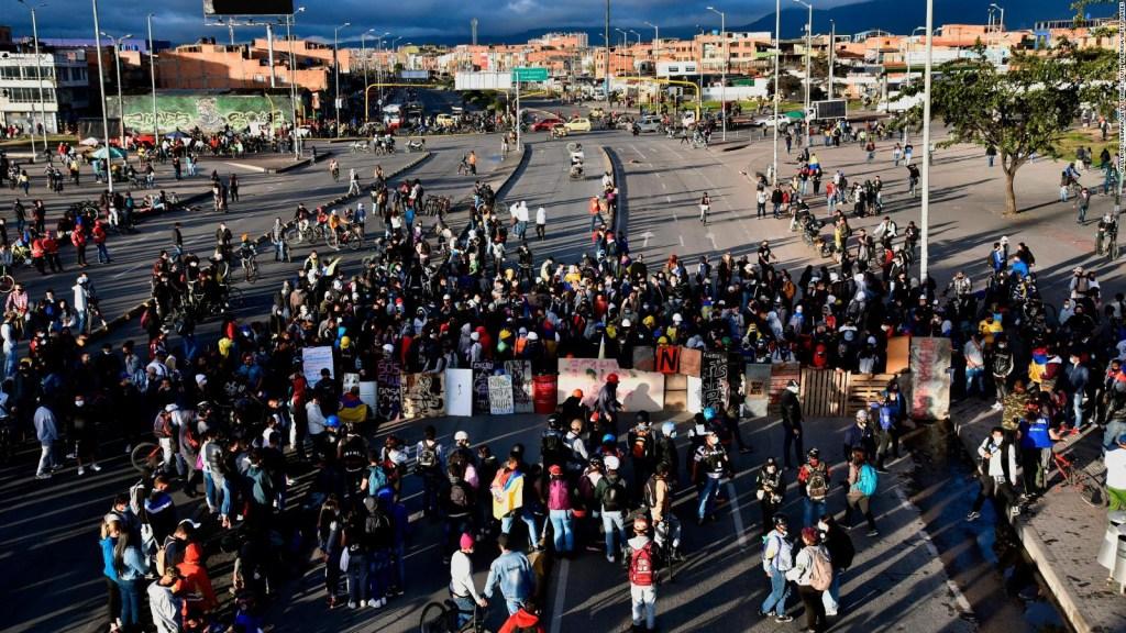 Gobierno de Colombia dice que será firme ante vandalismo