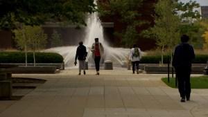 EE.UU.: Ayuda a estudiantes indocumentados