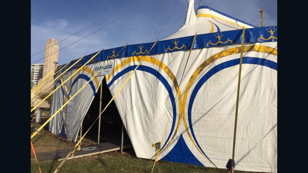 La carpa de un circo se convierte en centro de testeos