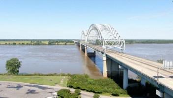 Cierran puente en Tennessee tras hallar una grieta