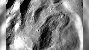 ¿Por qué desapareció la pared de un cráter de la Luna?