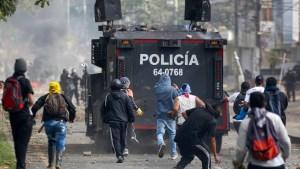 Senador colombiano: Duque es solo aceptado por el 9% de los colombianos