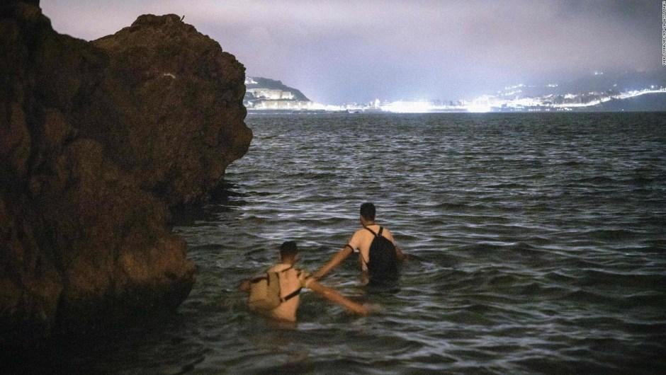 Spain seeks to block the intense migratory wave in Ceuta
