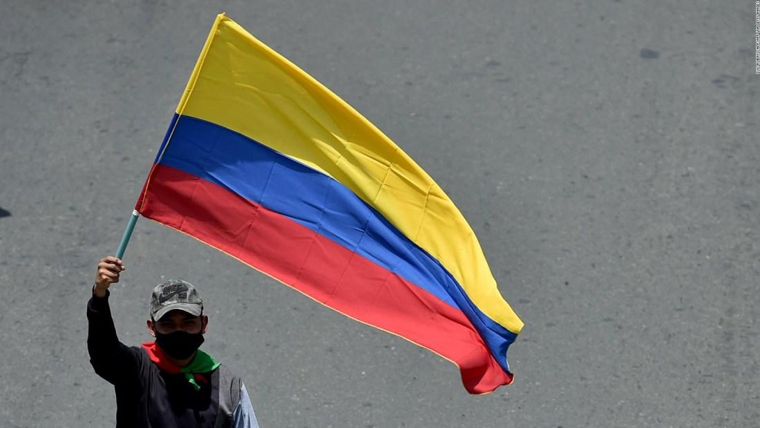 S&P baja la calificación crediticia de Colombia