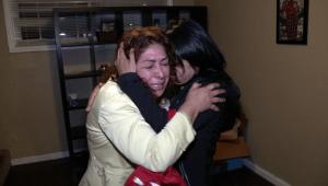 Emotivo recuentro de familia divida por deportación