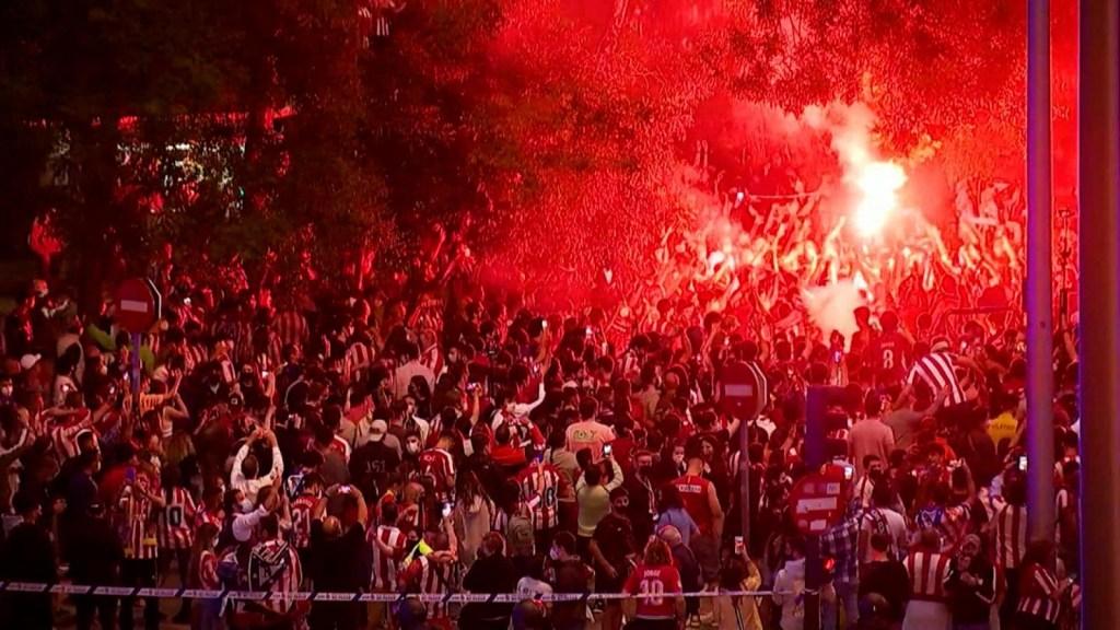 Atlético de Madrid: muerte de hincha empaña festejo