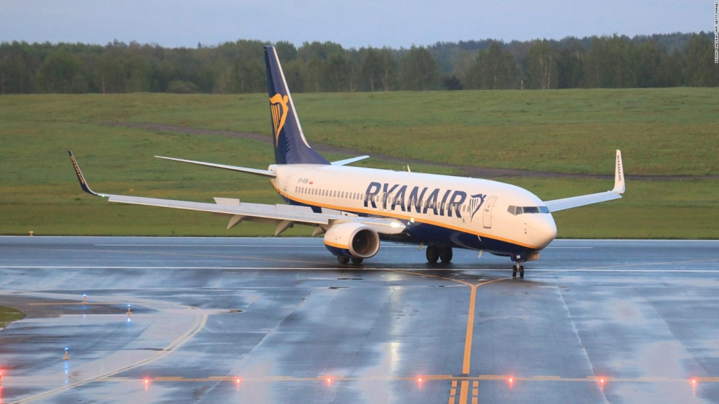 Pasajero de avión desviado a Belarús tensos momentos