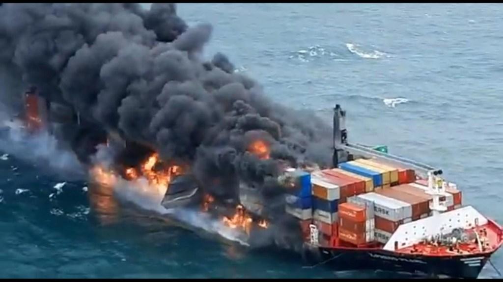 Posible derrame de petróleo en Sri Lanka tras explosión