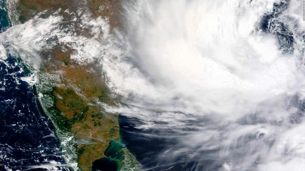 Alerta por ciclón Yaas y evacuación masiva en la India