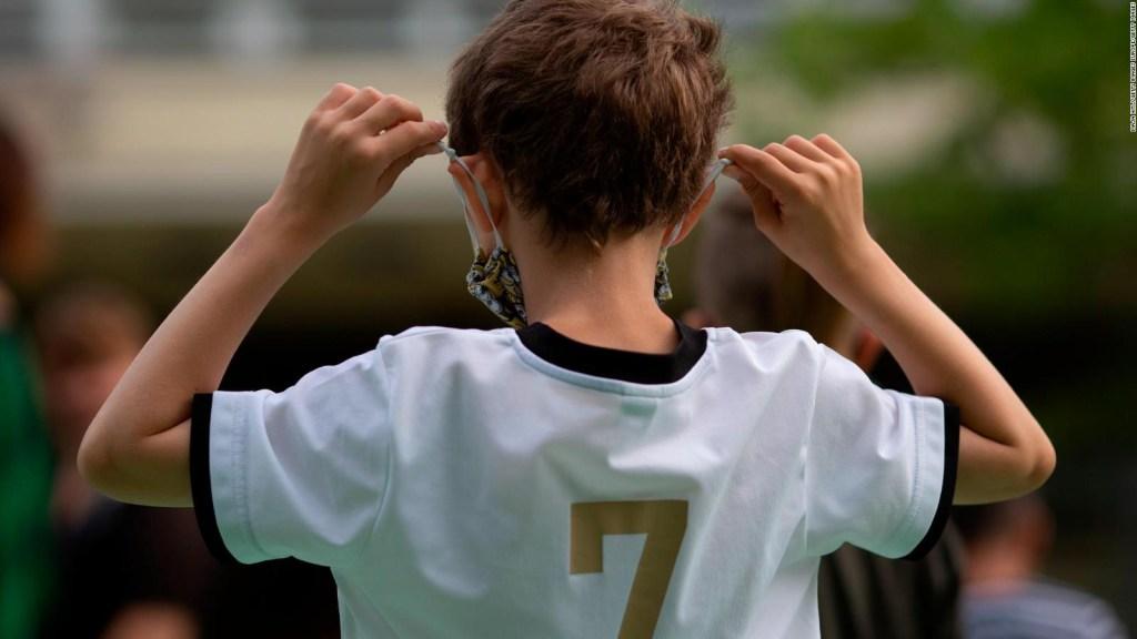 Mascarillas inadecuadas deformarían orejas de los niños
