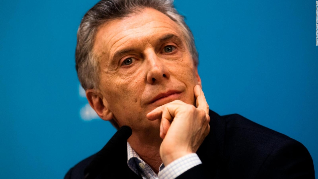 What was the worst financial mistake Macri made?
