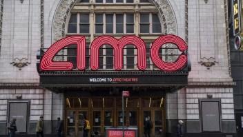Acciones de AMC suben gracias a Reddit
