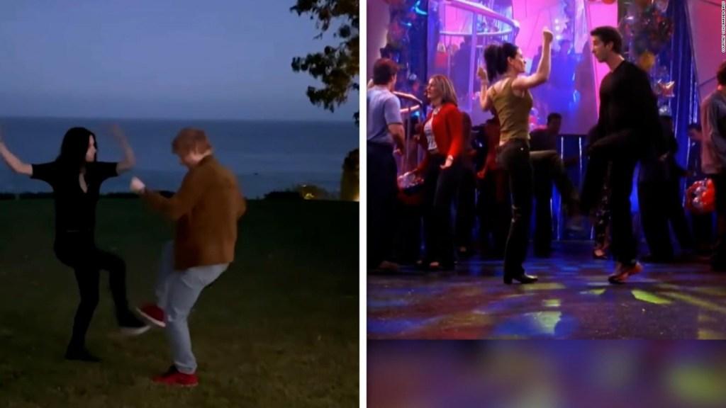 """Courteney Cox et Ed Sheeran recréent la danse de """"Amis"""""""