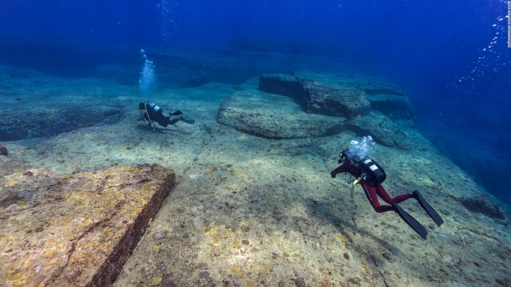 """Yonaguni, a mystery """"City"""" Immersed in Japan"""