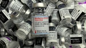vacuna pfizer moderna covid getty