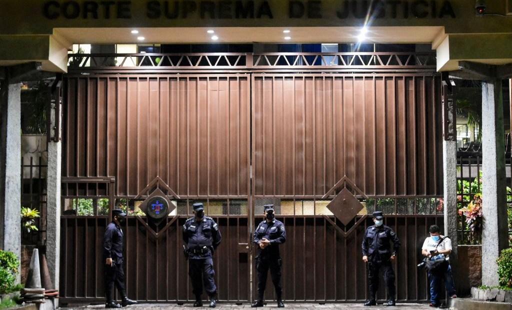 Corte Suprema de Justicia El Salvador destitución Asamblea Legislativa
