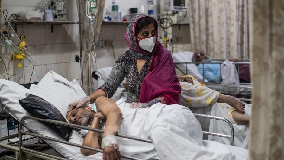 Hospitales saturados en la India