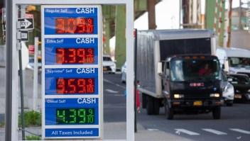 Los precios de la gasolina están en un máximo de 7 años, justo a tiempo para el Día de los Caídos