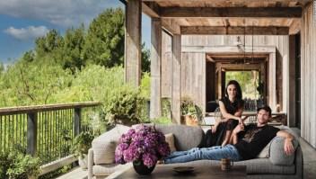 Mila Kunis y Ashton Kutcher casa granero establo