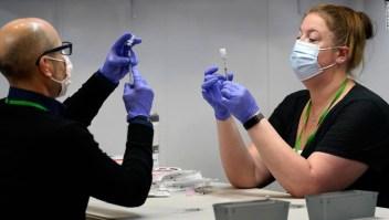 La mitad de los estados de EE.UU. han vacunado completamente al menos al 50% de los adultos
