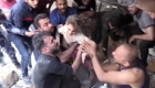 Así rescataron a una niña que sobrevivió ataque en Gaza