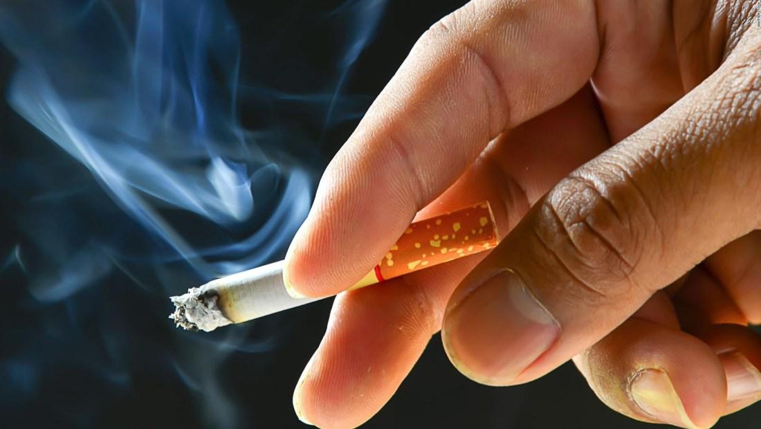 Investigadores desarrollan un cigarro que no genera humo