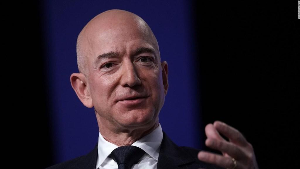 Jeff Bezos viajará al espacio en su propio cohete