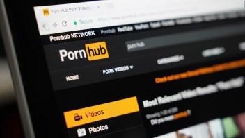 Decenas de mujeres demandan a Pornhub