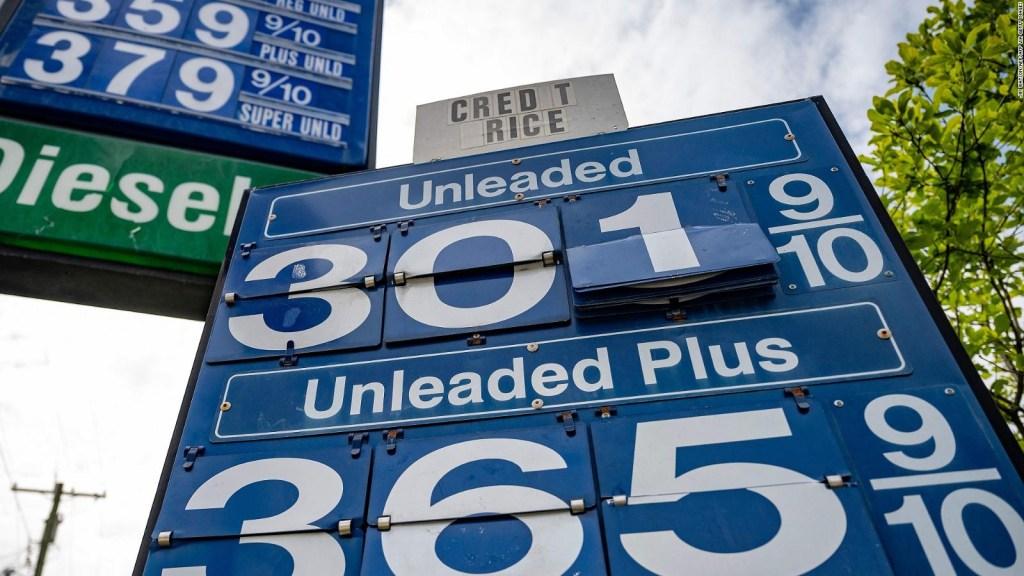 ¿A qué se debe la escasez de gasolina en EE.UU.?