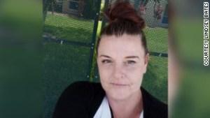 Lindsey Bates, trabajadora
