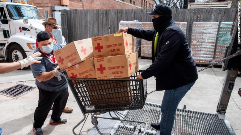 Voluntarios de la Cruz Roja