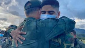 Gobierno de Maduro afirma que rescató a 8 militares secuestrados