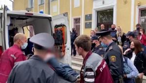 Activista se corta la garganta en juzgado de Belarús